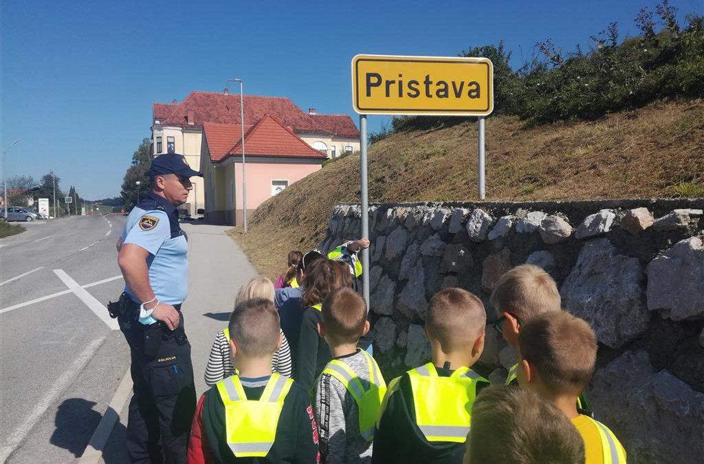 NA SPREHODU S POLICISTOM